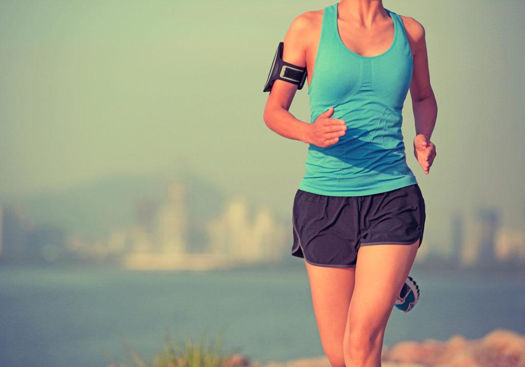 mulher-correndo-roupa-fitness-1030x721-1024x717.jpg (1024×717)