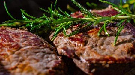 Lebensmittel mit viel Eiweiß - Steak Fleisch